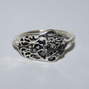 Silver tone NWOT Hamsa hand ring 4.5
